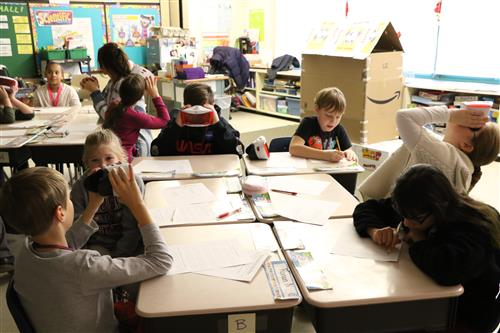 JWB students learn the solar system with virtual reality