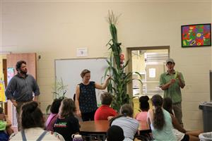 Farm Hub gives lesson about corn at Edson