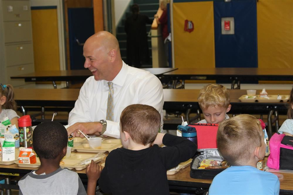 Dr. Padalino Lunches With the Pre-K!