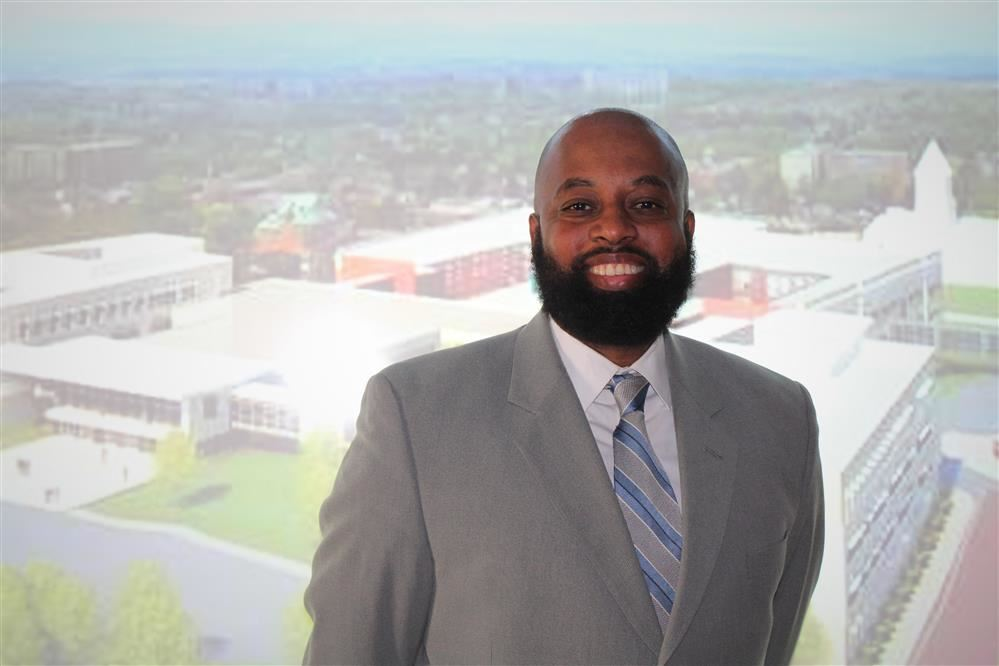 KHS Welcomes New Assistant Principal, Dr. Eric Bradford